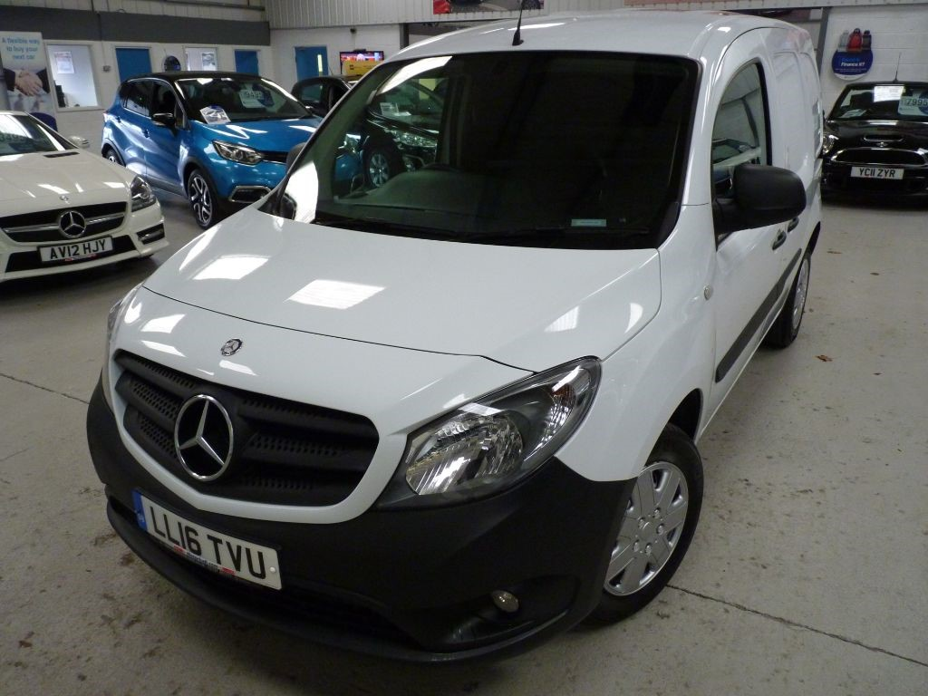 used Mercedes Citan 109 CDI + SERV HISTORY + FEB 20 MOT + EW/BT/RCL + CRUISE + 2 KEYS in sheffield