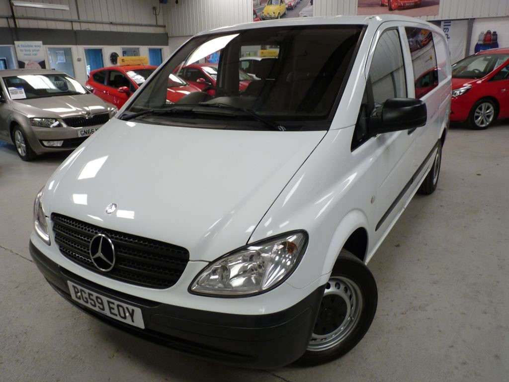 used Mercedes Vito 111 CDI CREW VAN + 4 SVS + JUNE 19 MOT + 6 SEATS in sheffield