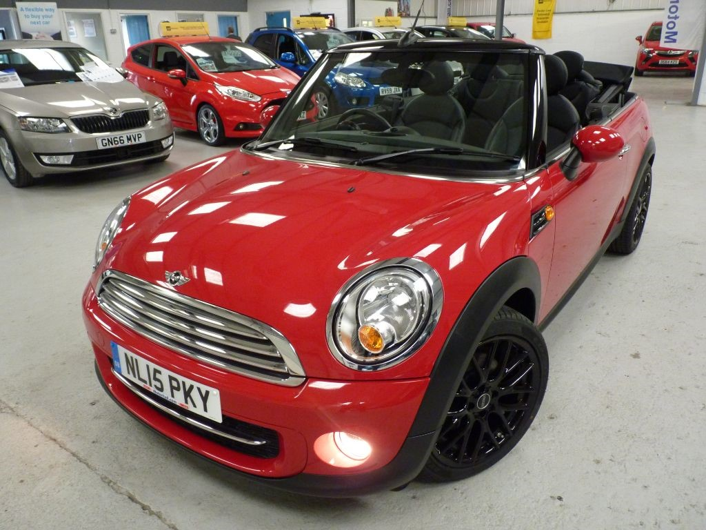 used MINI Convertible COOPER D + MINI SVS HIST + MAY 19 MOT + STUNNING in sheffield