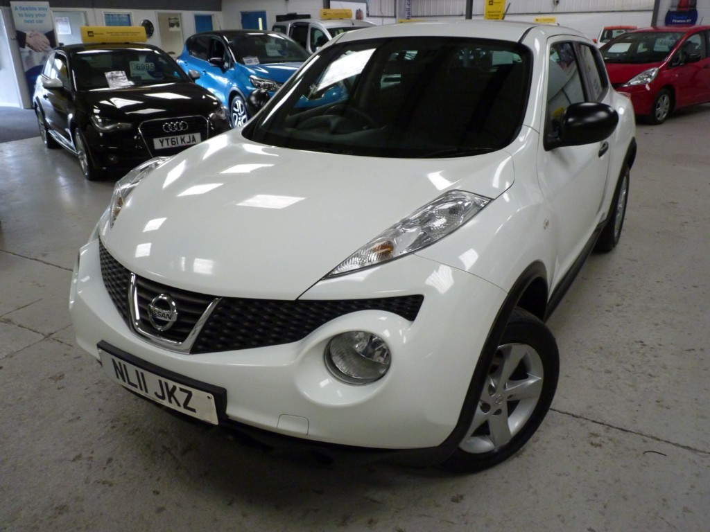 used Nissan Juke VISIA 1.6 + 5 SERVICE STAMPS + MARCH 20 MOT + 2 KEYS + JUST SERVICED in sheffield