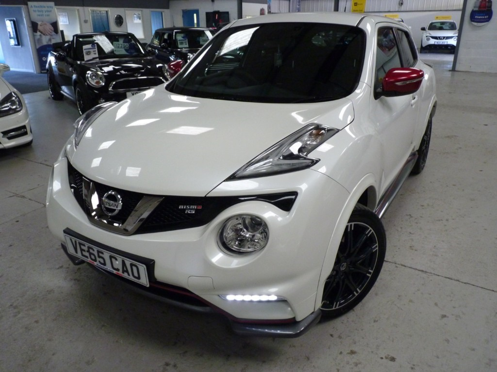 used Nissan Juke NISMO RS DIG-T + FSH + NAV + REV CAMERA + 2 KEYS + H SEATS + 215BHP + WHITE in sheffield