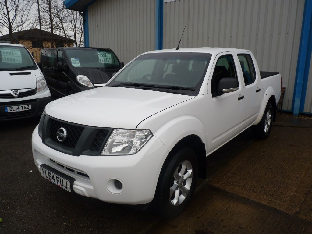 used Nissan Navara DCI VISIA 4X4 DOUBLE CAB PICKUP + SVS HIST + JUST SERVICED + 1 OWNER + 2 KEYS in sheffield