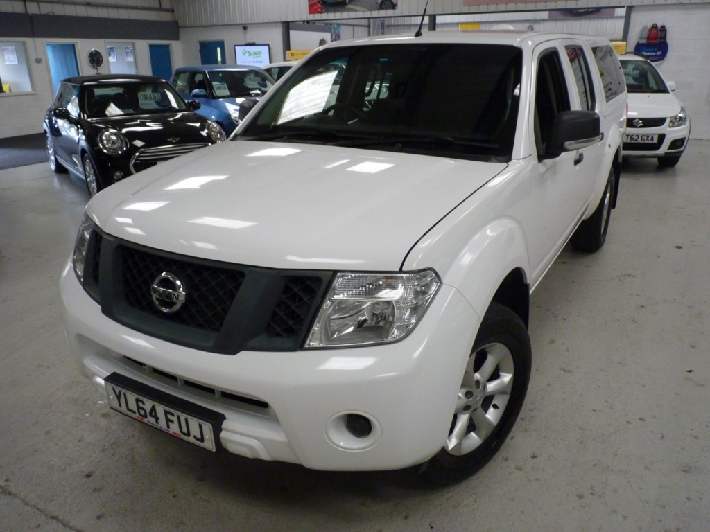 used Nissan Navara DCI VISIA 4X4 DOUBLE CAB PICKUP + SERVICE HISTORY + JULY 20 MOT + 2 KEYS + SNUG TOP + BT in sheffield
