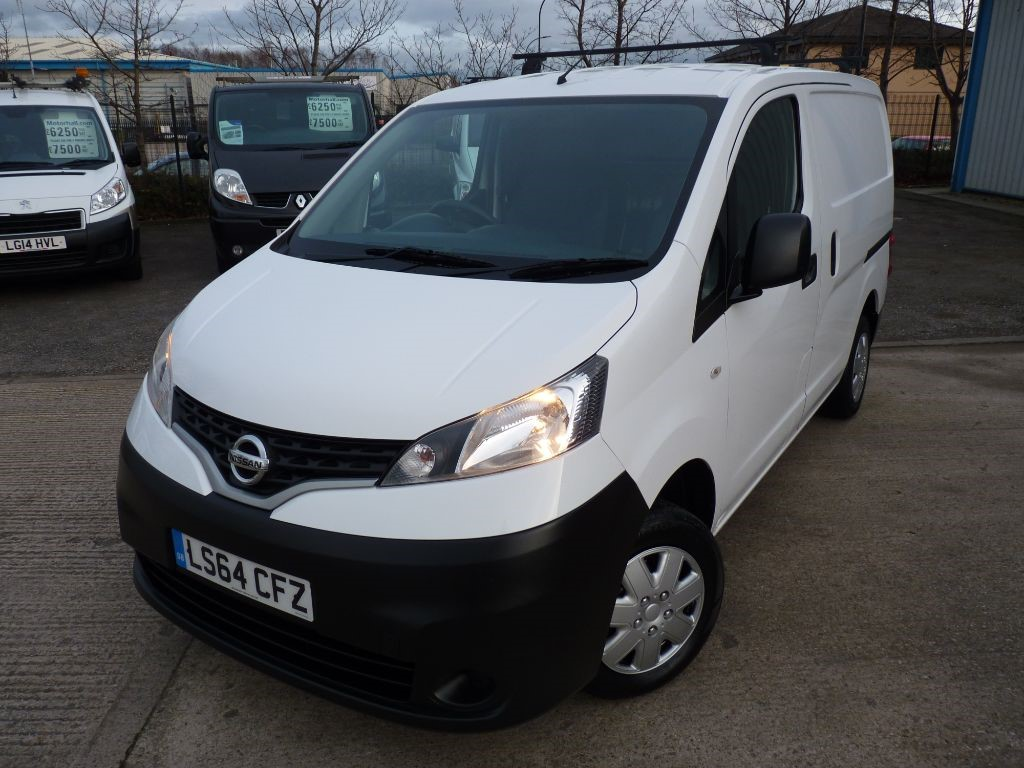 used Nissan NV200 DCI ACENTA + JUST SERVICED + OCT 19 MOT + 2 KEYS + REV CAM + ROOF RACK in sheffield