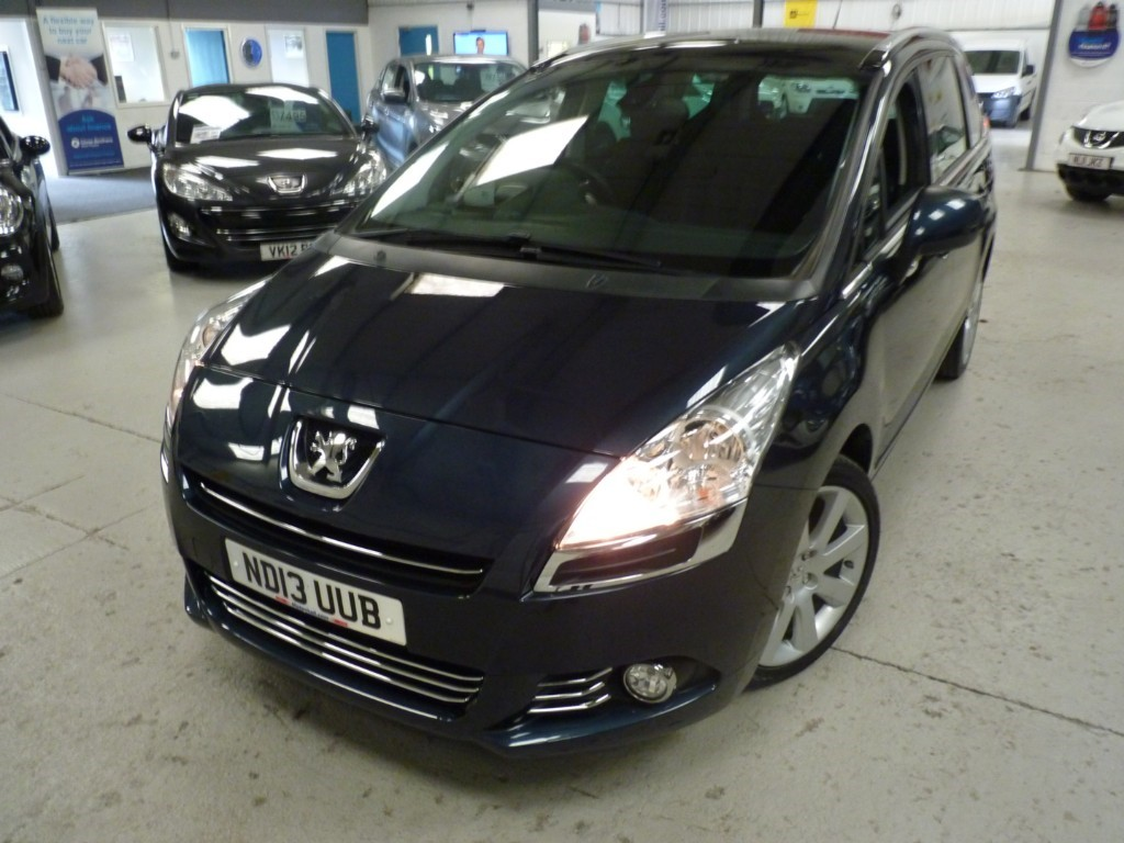 used Peugeot 5008 E-HDI ALLURE AUTO 7 SEATER + 5 SERVICES + APRIL 20 MOT + BT + HEADS UP + 2 KEYS + AC in sheffield