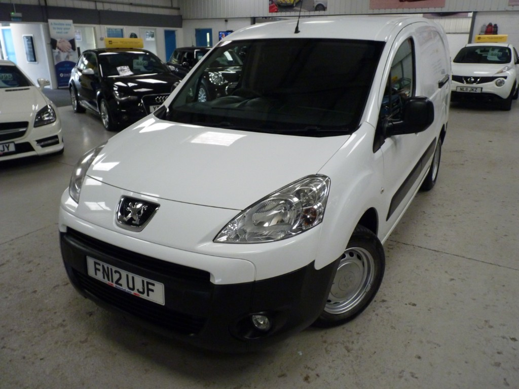 used Peugeot Partner HDI CREW VAN + SERVICE HISTORY + APRIL 20 MOT + EW/EM/BT/CD + 5 SEATS in sheffield