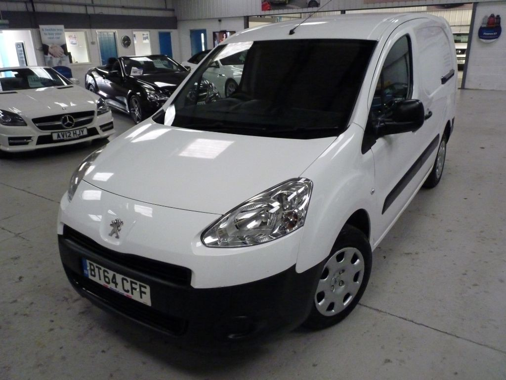 used Peugeot Partner 1.6 HDI CREW VAN + 5 SEATS + JUST SERVICED + DEC 19 MOT + 2 KEYS in sheffield