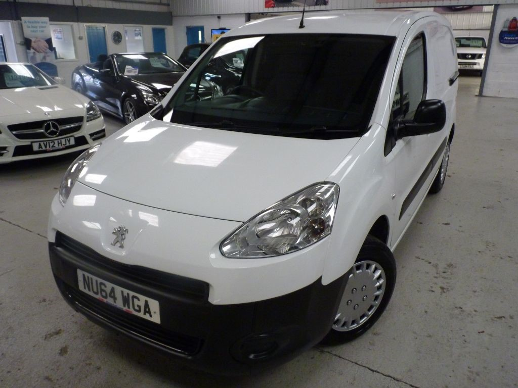 used Peugeot Partner HDI S L1 850 + 5 SERVICES + OCT 19 MOT + 2 KEYS in sheffield