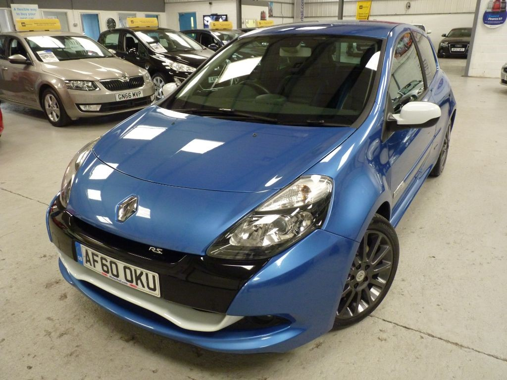 used Renault Clio GORDINI 2.0 RS + SERV HIST + JUST SERV + SEPT 19 MOT + 1 LADY OWNER in sheffield