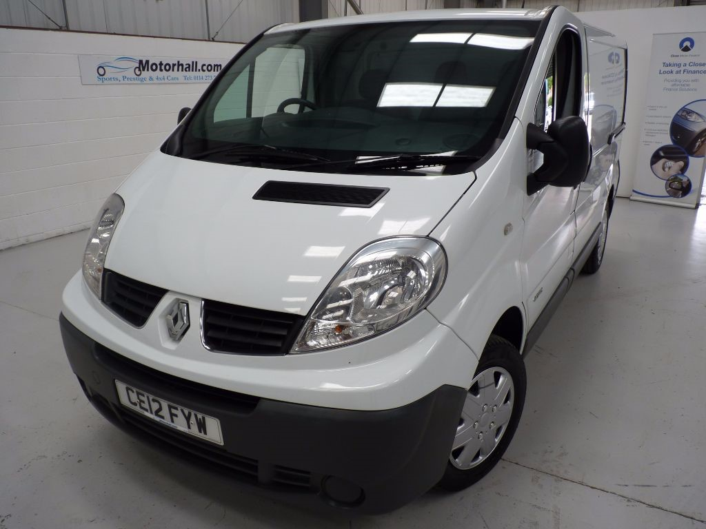 used Renault Trafic SL27 2.0 DCI SWB + JUST SERVICED + NAV + BT in sheffield