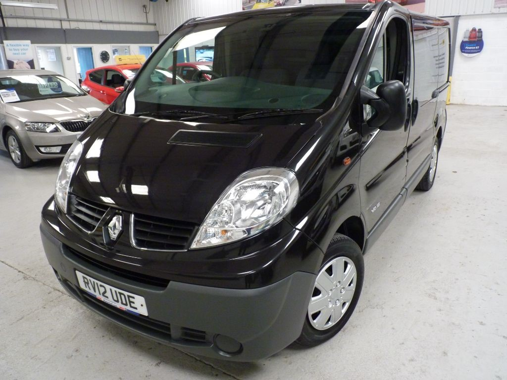 used Renault Trafic SL27 DCI SWB + JUST SVS + JUNE 19 MOT + NO VAT in sheffield