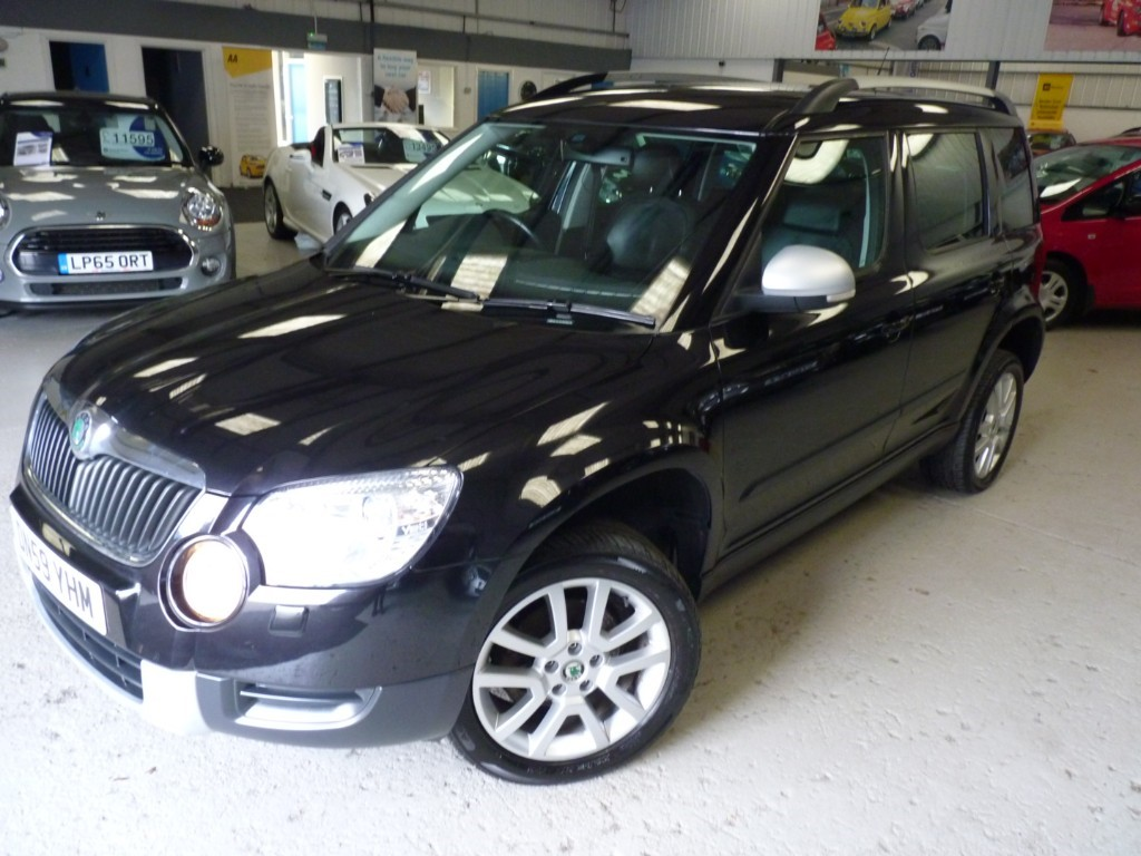 used Skoda Yeti ELEGANCE TDI CR 4X4 + 140BHP + SVS HISTORY + HIGH SPEC in sheffield