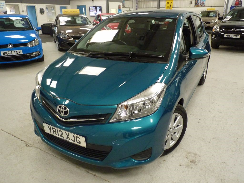used Toyota Yaris D-4D TR + 8 SERVICES + 1 OWNER + 2 KEYS in sheffield