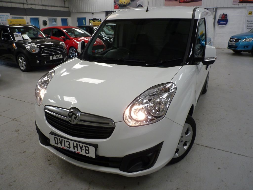used Vauxhall Combo 2000 L1H1 CDTI SPORTIVE + 3 SVS + JUST SVS in sheffield