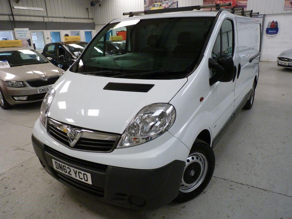 used Vauxhall Vivaro 2900 CDTI ECOFLEX LWB + SERV HIST + JUST SERV + AUG 19 MOT + 2 KEYS in sheffield