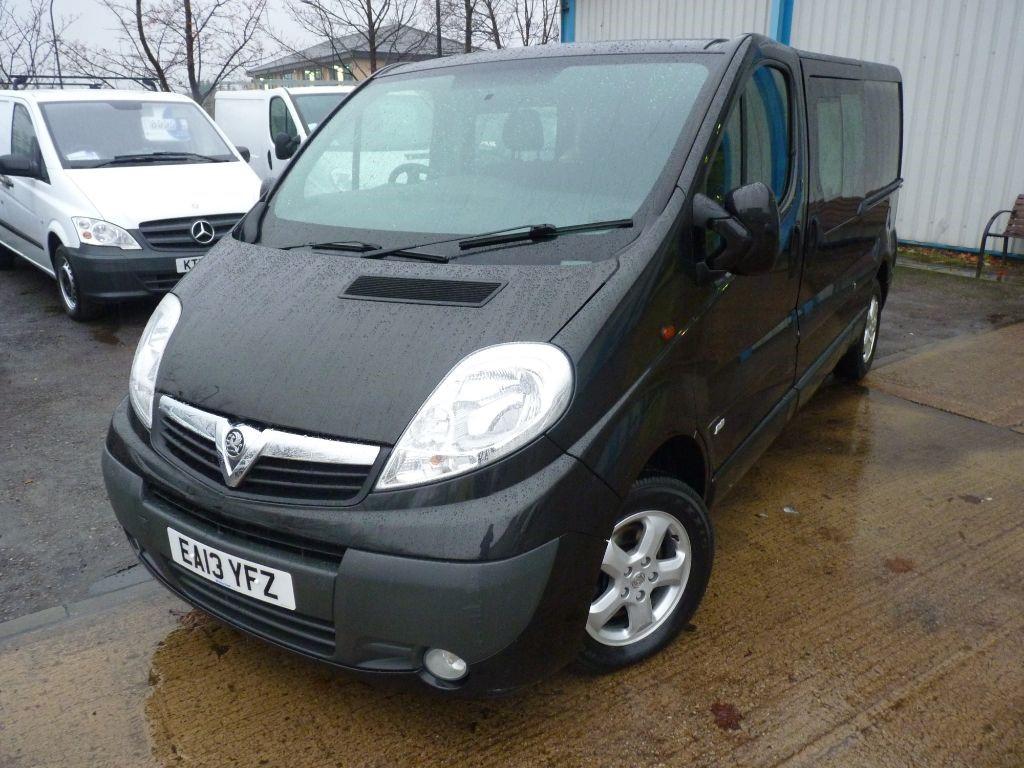 used Vauxhall Vivaro SPORTIVE CREW VAN+LWB+ SERV HIST + MAY 19 MOT + AC/EW/EM/BT + 6 SEATS in sheffield