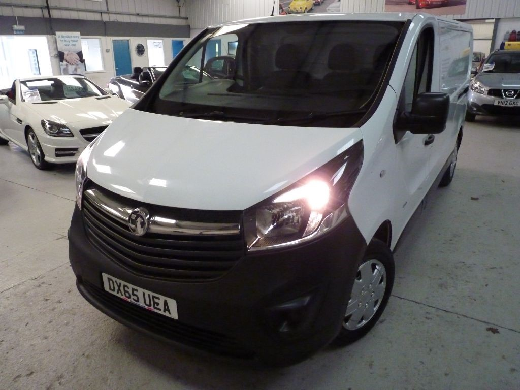 used Vauxhall Vivaro 2900 L2H1 CDTI + FSH + SEPT 19 MOT + BT + EW + DAB + 2 KEYS in sheffield