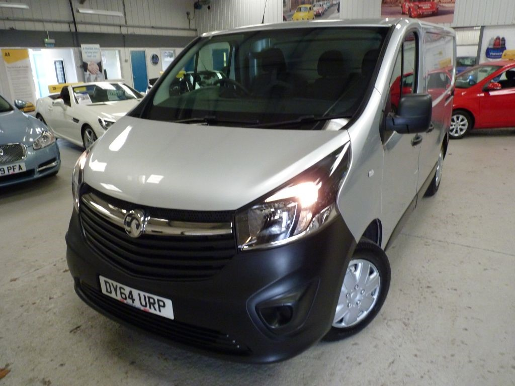 used Vauxhall Vivaro 2700 L1H1 CDTI + 3 SVS STAMPS + FEB 20 MOT + NO VAT + ONE OWNER + 2 KEYS in sheffield