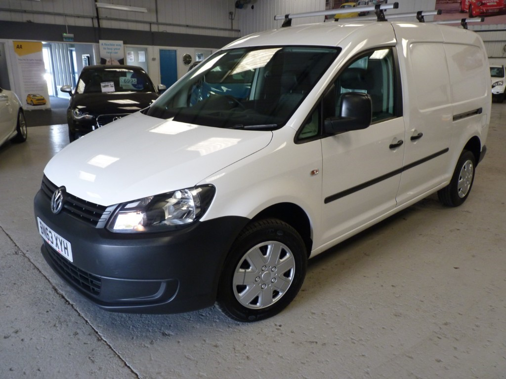 used VW Caddy Maxi C20 TDI STARTLINE NAV BLUEMOTION TECH + FULL VW HIST + TIMING BELT DONE + SAT NAV + BT in sheffield