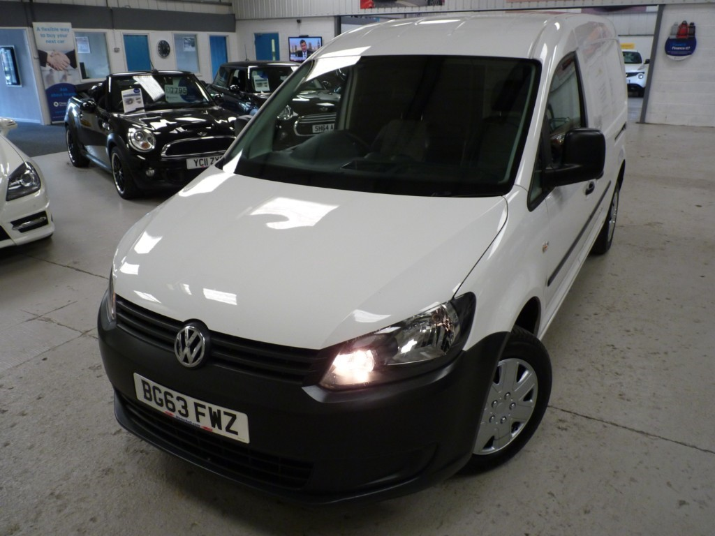 used VW Caddy Maxi C20 TDI STARTLINE BMT + FSH + JUST SERVICED + MAY 20 MOT + NAV + CRUISE + AC + EW + P SENS in sheffield