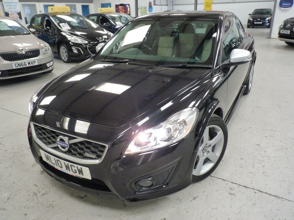used Volvo C30 D DRIVE R-DESIGN + 9 SERVICES + £30 TAX + 2 KEYS in sheffield