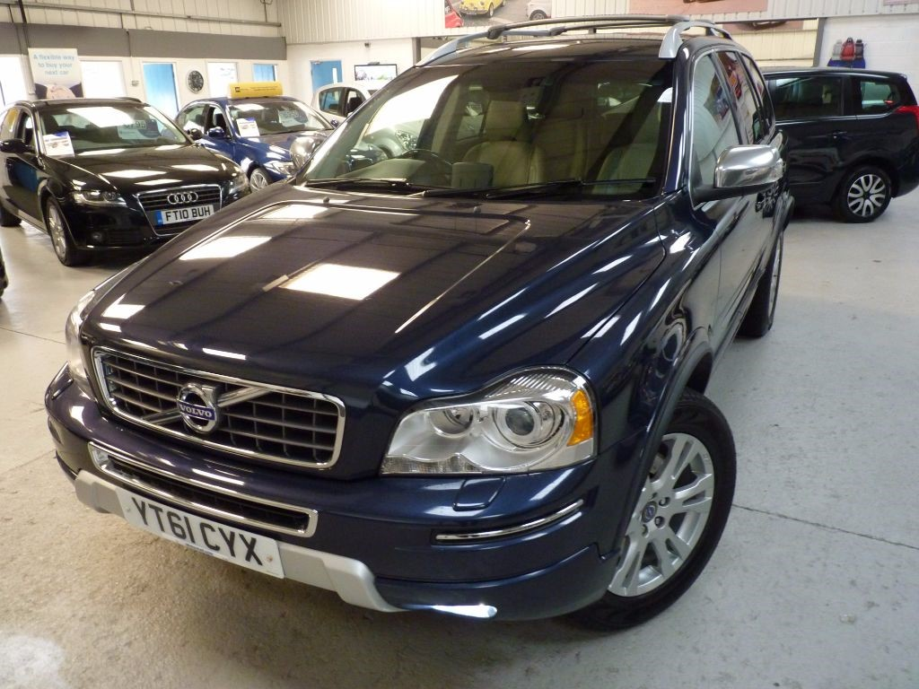 used Volvo XC90 D5 EXECUTIVE AWD + FULL HIST + NAV + 7 SEATS in sheffield
