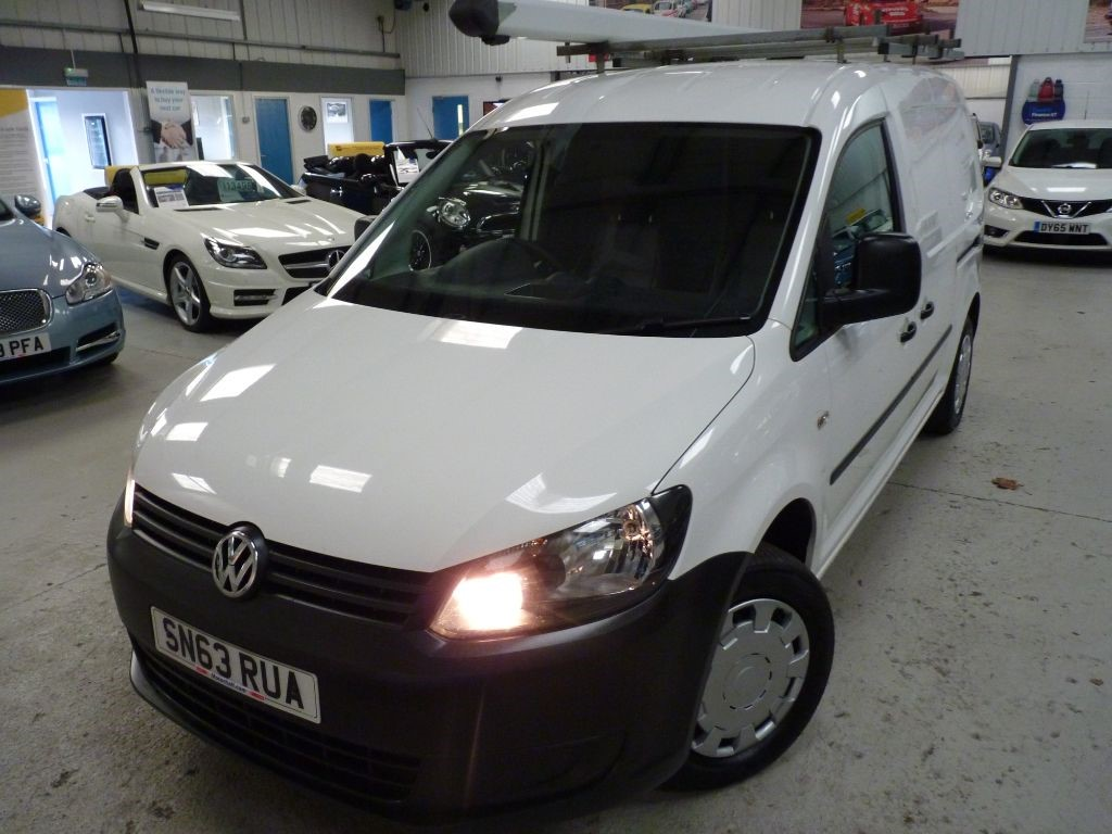 used VW Caddy Maxi C20 TDI STARTLINE + JUST SERVICED + FEB 20 MOT + ROOF RACK + ONE OWNER in sheffield