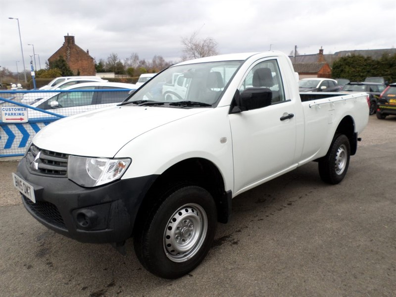 used Mitsubishi L200 DI-D 4X4 4LIFE S/C in dumfries-and-galloway
