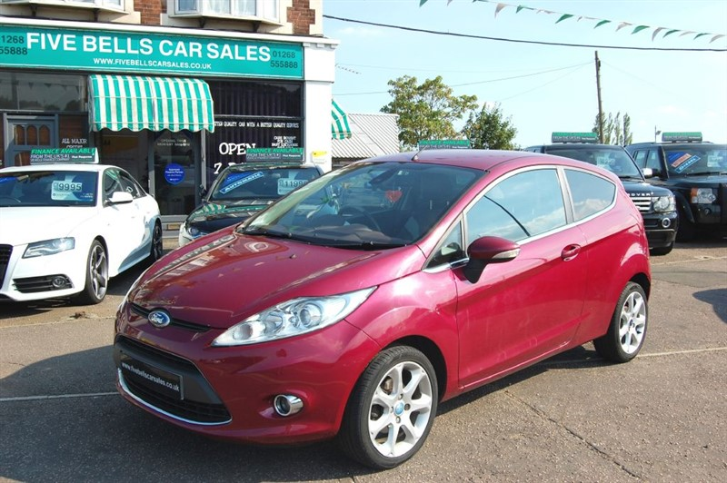 used Ford Fiesta TITANIUM INDIVIDUAL in stanford-le-hope-essex