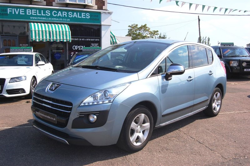 used Peugeot 3008 HYBRID4 in stanford-le-hope-essex