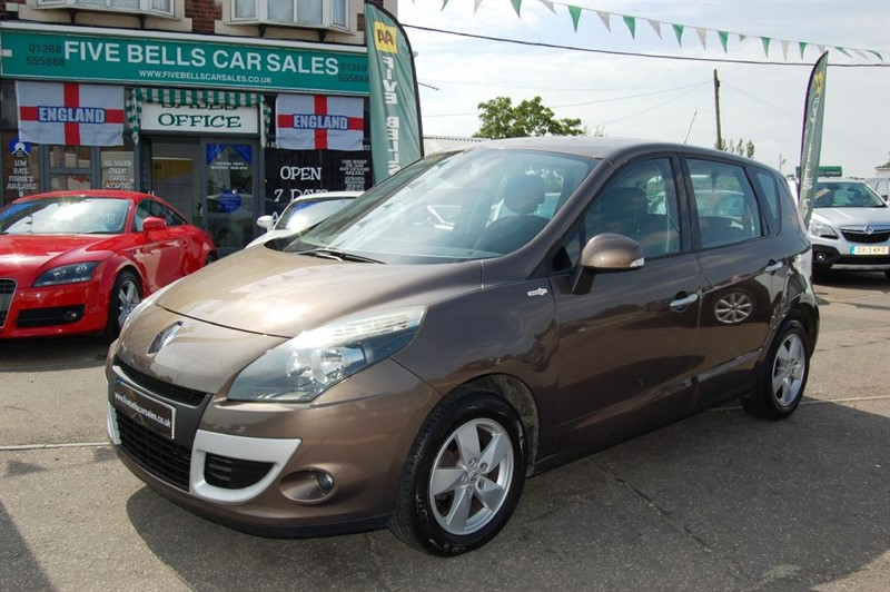 used Renault Scenic DYNAMIQUE TOMTOM DCI in stanford-le-hope-essex