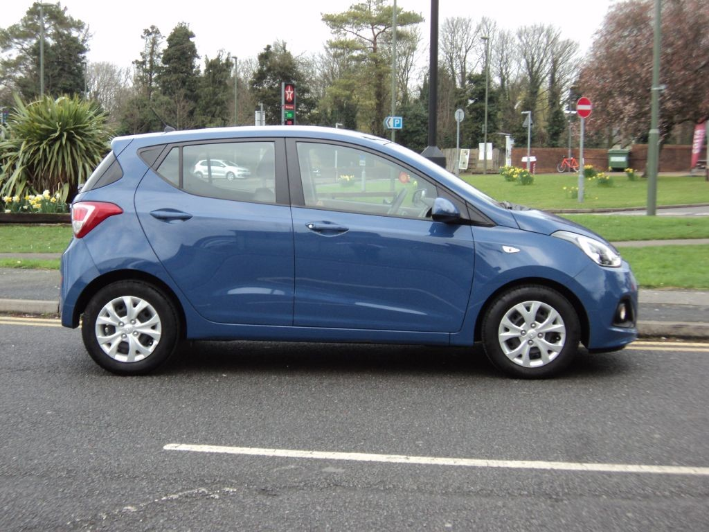 hyundai i10se for sale epsom downs surrey belmont garage. Black Bedroom Furniture Sets. Home Design Ideas
