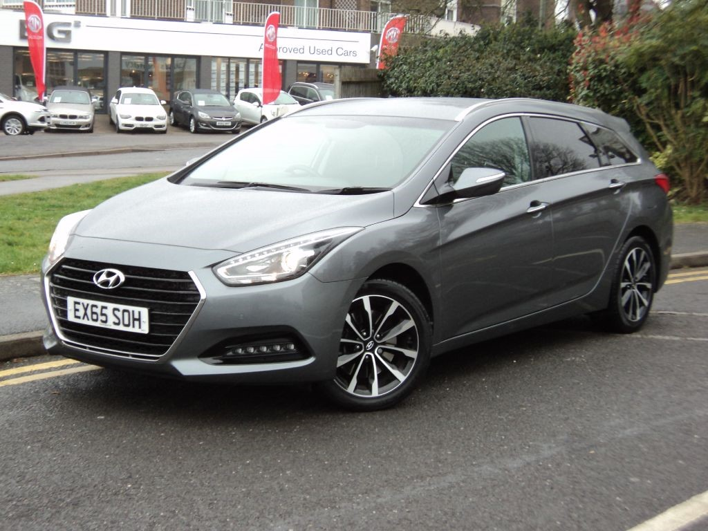 hyundai i40crdi se nav business blue drive tourer dct automatic for sale epsom downs. Black Bedroom Furniture Sets. Home Design Ideas