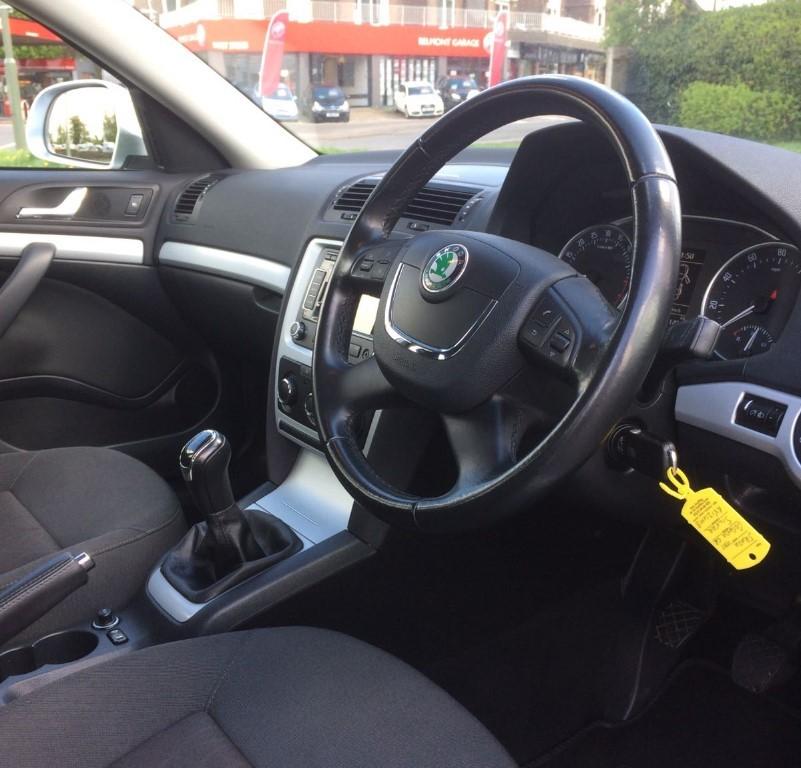 Farnham Van Sales Used Cars In Surrey: Skoda OctaviaSE PLUS TDI CR SAT NAV For Sale