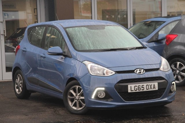 used Hyundai i10 PREMIUM BLUE DRIVE in epsom-surrey