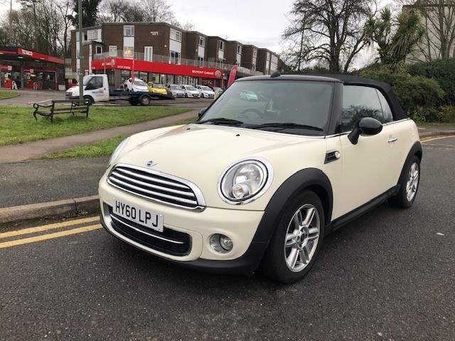 used MINI Cooper COOPER D + Extras in epsom-surrey