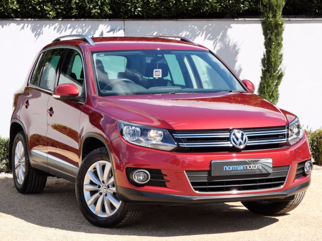 used wild cherry red vw tiguan for sale dorset. Black Bedroom Furniture Sets. Home Design Ideas