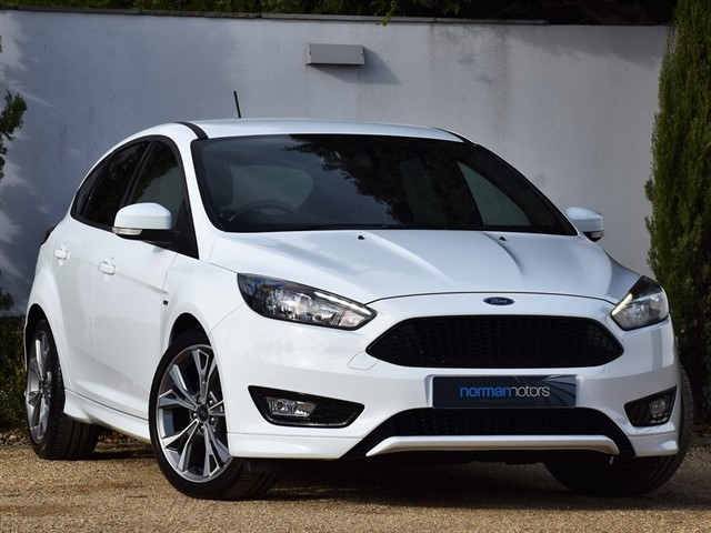 used Ford Focus EcoBoost ST-LINE