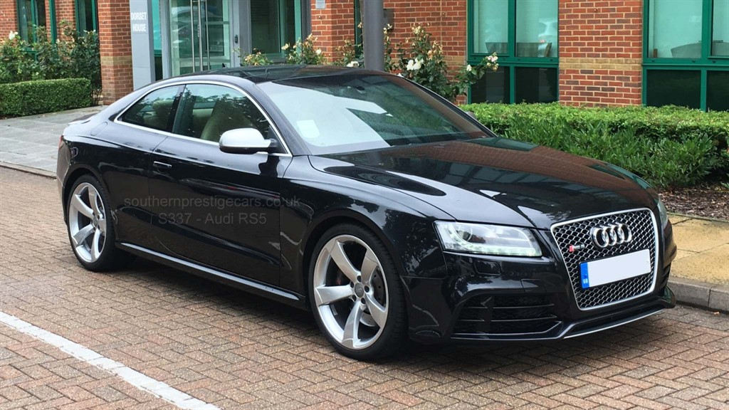 used Audi RS5 FSI S Tronic quattro 3dr in surrey