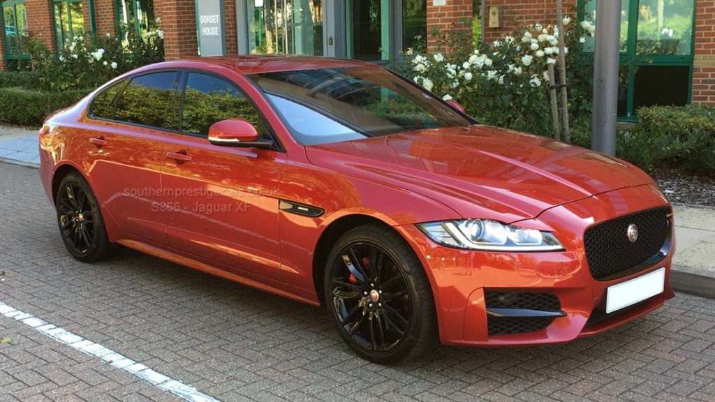 used Jaguar XF 2.0i R-Sport Auto (s/s) 4dr in surrey