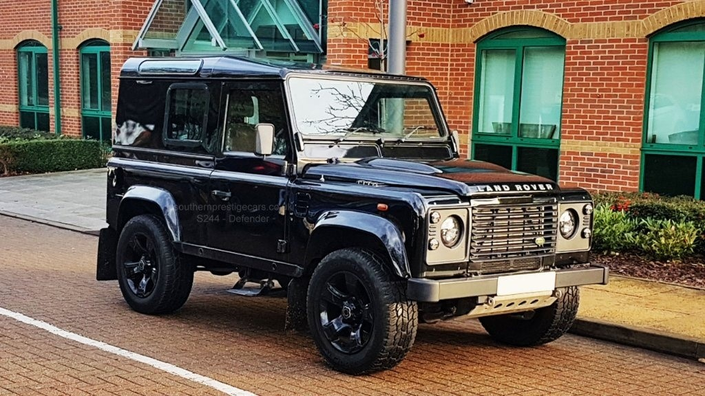 used Land Rover Defender 90 2.4 TDi County Hard Top 3dr Auto in surrey
