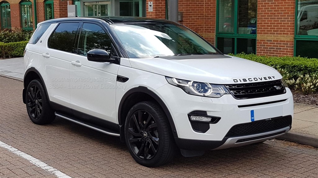 used Land Rover Discovery Sport SD4 HSE Luxury 4X4 5dr in surrey