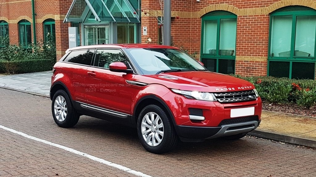 used Land Rover Range Rover Evoque ED4 Pure Tech 2WD 3dr in surrey