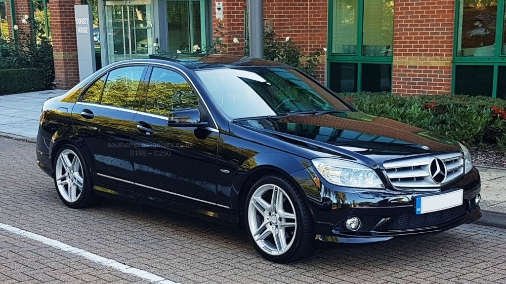 used Mercedes  C Class CDI BlueEfficiency in surrey