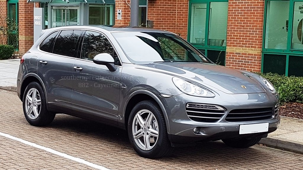 used Porsche Cayenne TD Tiptronic S AWD 5dr in surrey
