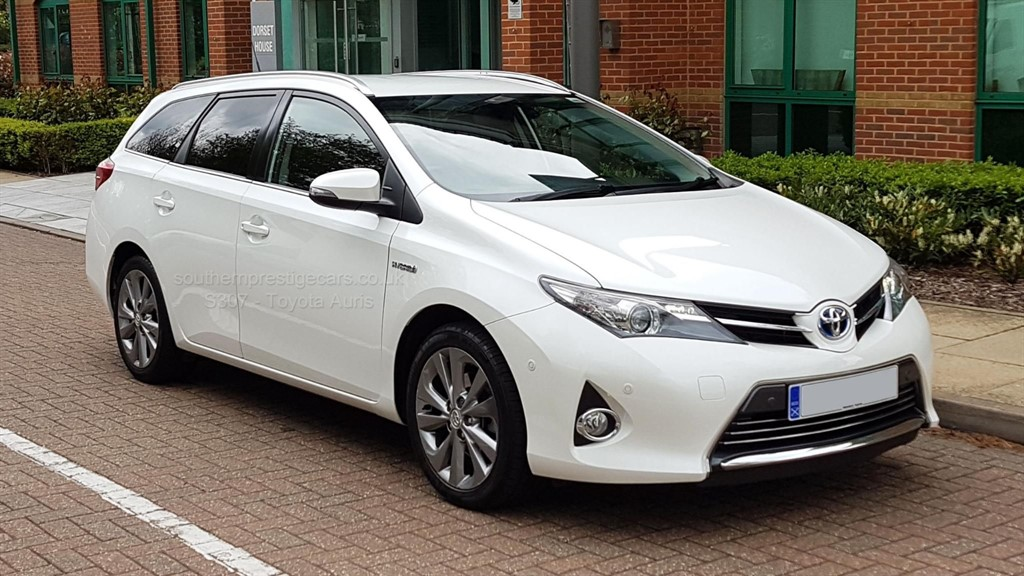used Toyota Auris VVT-i Excel Touring Sports e-CVT HSD 5dr in surrey