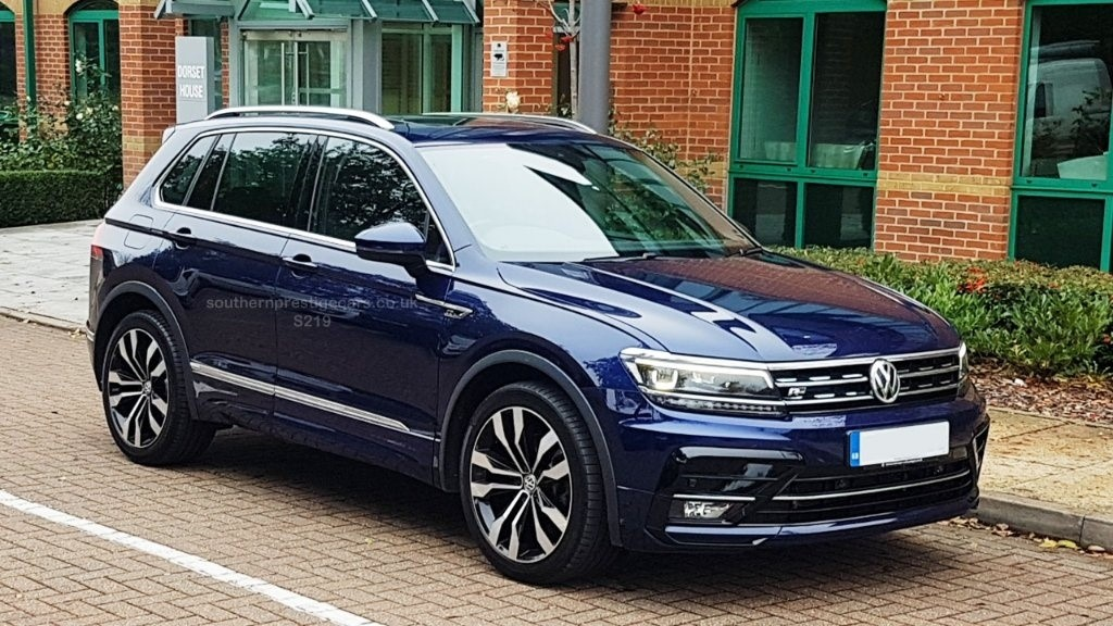 used VW Tiguan TSI R-Line DSG 4MOTION (s/s) 5dr in surrey