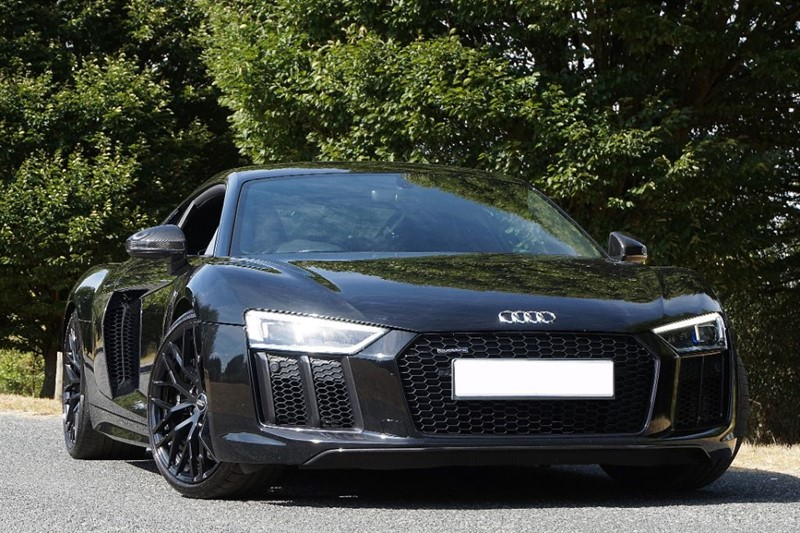 used Audi R8 V10 QUATTRO ** TRIPLE BLACK ** QUILTED NAPPA ** in essex