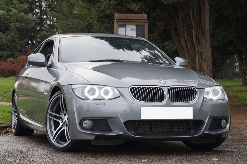 "used BMW 330d M SPORT ** PRO SAT NAV & FACTORY 19"" M ALLOYS ** in essex"