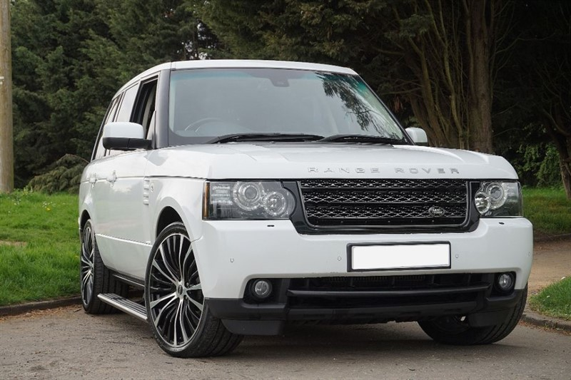 used Land Rover Range Rover TDV8 VOGUE ** FACE LIFT ** DEPLOY-ABLE STEPS ** in essex